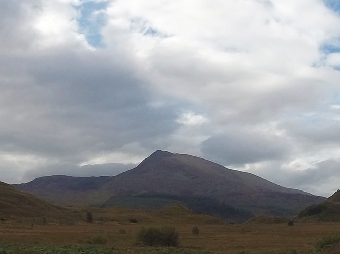 guided hikes and scrambles on moel siabod snowdonia