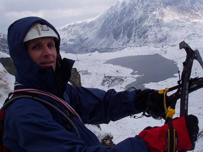 winter mixed climbing snowdonia